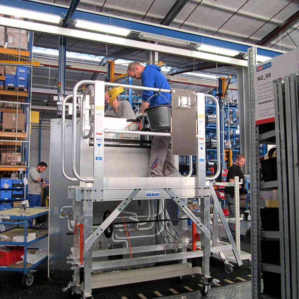 Рабочая платформа для конвейерного производства с синхронным передвижением