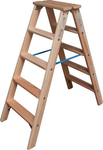 Удобная двухсторонняя стремянка из дерева с широкими ступенями для комфортной работы. Востребована малярами и электриками.