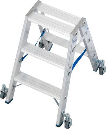 Прочная двухсторонняя лестница для профессионального использования, оборудованная роликами для более быстрого и простого перемещения
