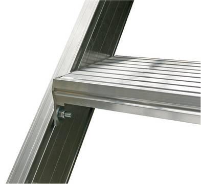Передвижной трап с платформой алюминиевый. Глубина ступеней: 175 мм ири наклоне 60°