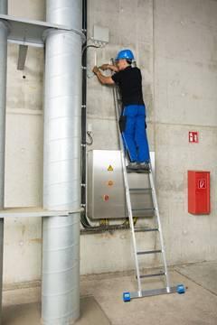Пример использования Приставная лестница, одна секция