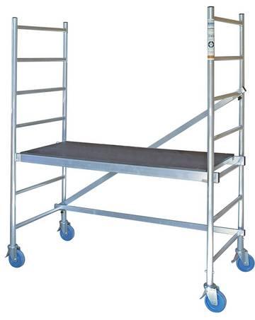 Легко перемещаемые и собираемые без инструмента алюминиевые монтажные подмости для внутренних работ.