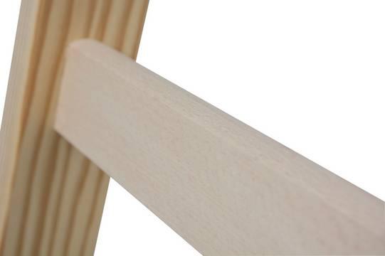 Двухсторонняя стремянка с перекладинами. Перекладины из плотной древесины с проверенным шиповым соединением