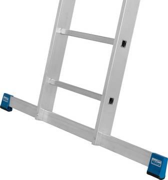 Двухсекционная выдвижная лестница. Широкая поперечная траверса для большей безопасности