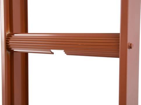 Стационарные лестницы для крыши (красная). Полукруглые профилированные перекладины позволяют использовать лестницу при самых разнообразных наклонах крыши