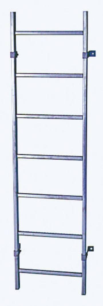 Шахтные лестницы различны по ширине и материалу в зависимости от цели использования. Например: безопасный спуск для контроля и обслуживания канализационных сетей, в резервуары для питьевой воды, сточных вод или прочих колодцев.