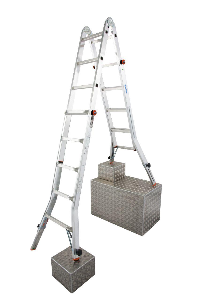 Шарнирная телескопическая лестница с выдвижными боковинами TeleVario. Простая в использовании, регулируемая по высоте лестница, может устанавливаться на ступенях, использоваться в виде приставной лестницы или стремянки, а также в качестве рабочей платформ