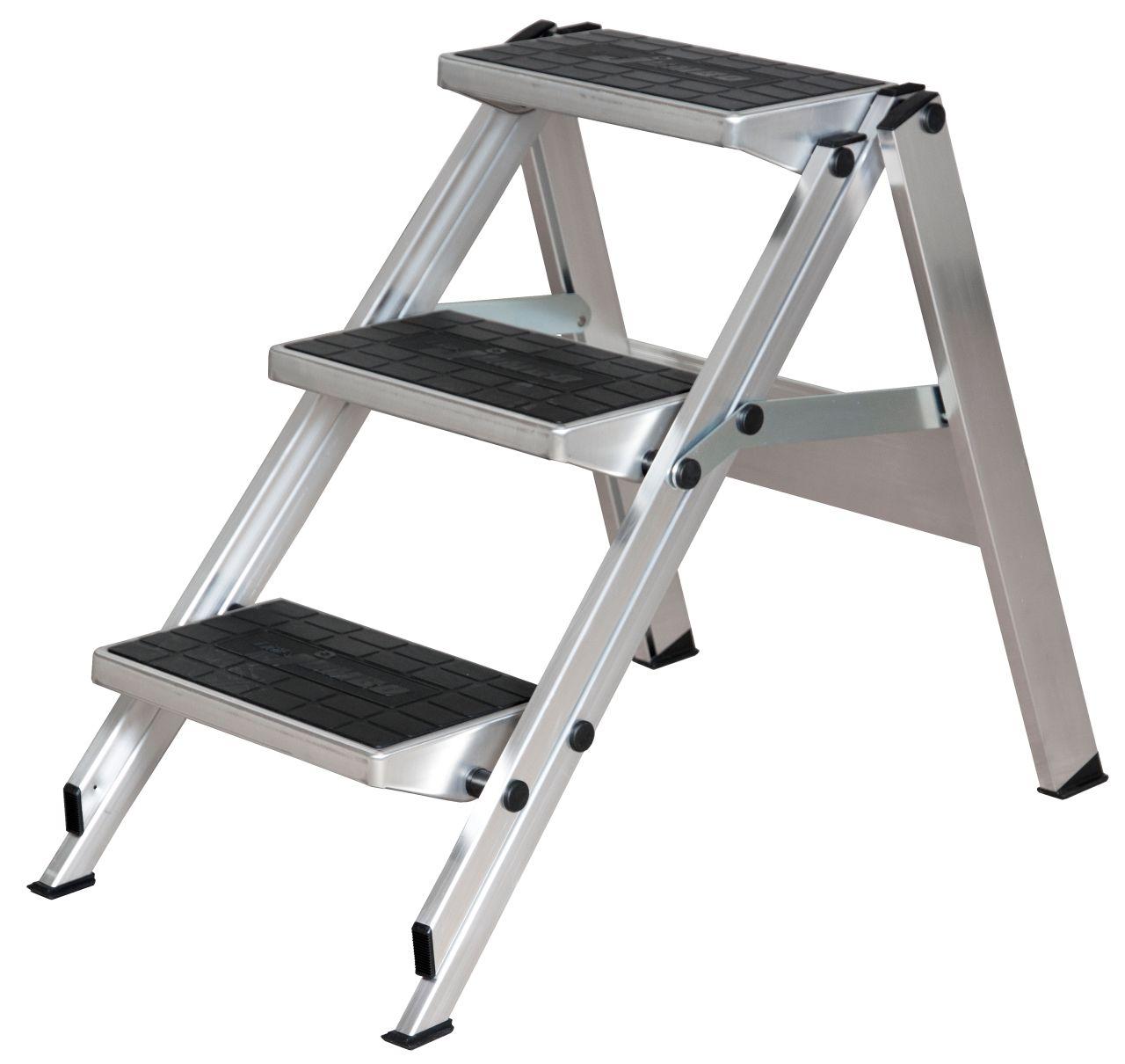 Складной трап. Прочный складной алюминиевый трап с большими обрезиненными ступенями для безопасного подъема и спуска. Подходит для разнообразных работ.