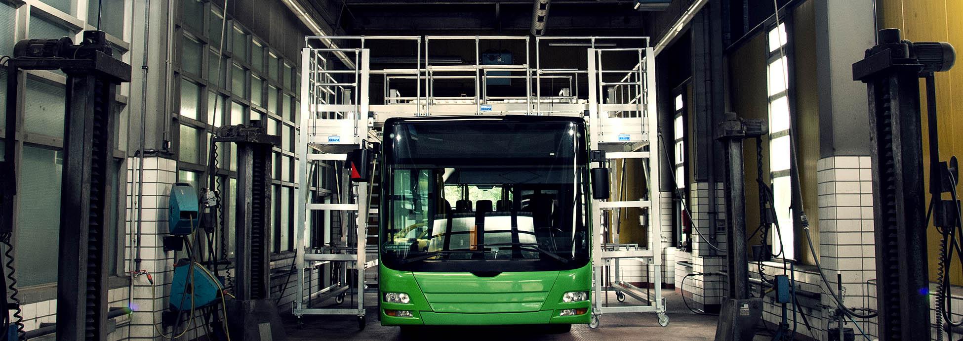 Передвижная рабочая платформа для технического обслуживания автобусов